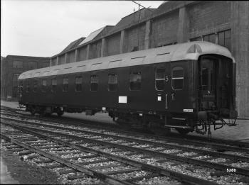 Westwaggon: Durchgangswagen BC 4ü, Nr. 215 601, Hamburg, 4-achsig, 2. und 3. Klasse, Prototyp Quelle: arachne