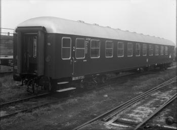 Westwaggon: Personenwagen, Deutsche Bundesbahn Köln, Nr. 14 923, AB4ümg Quelle: arachne