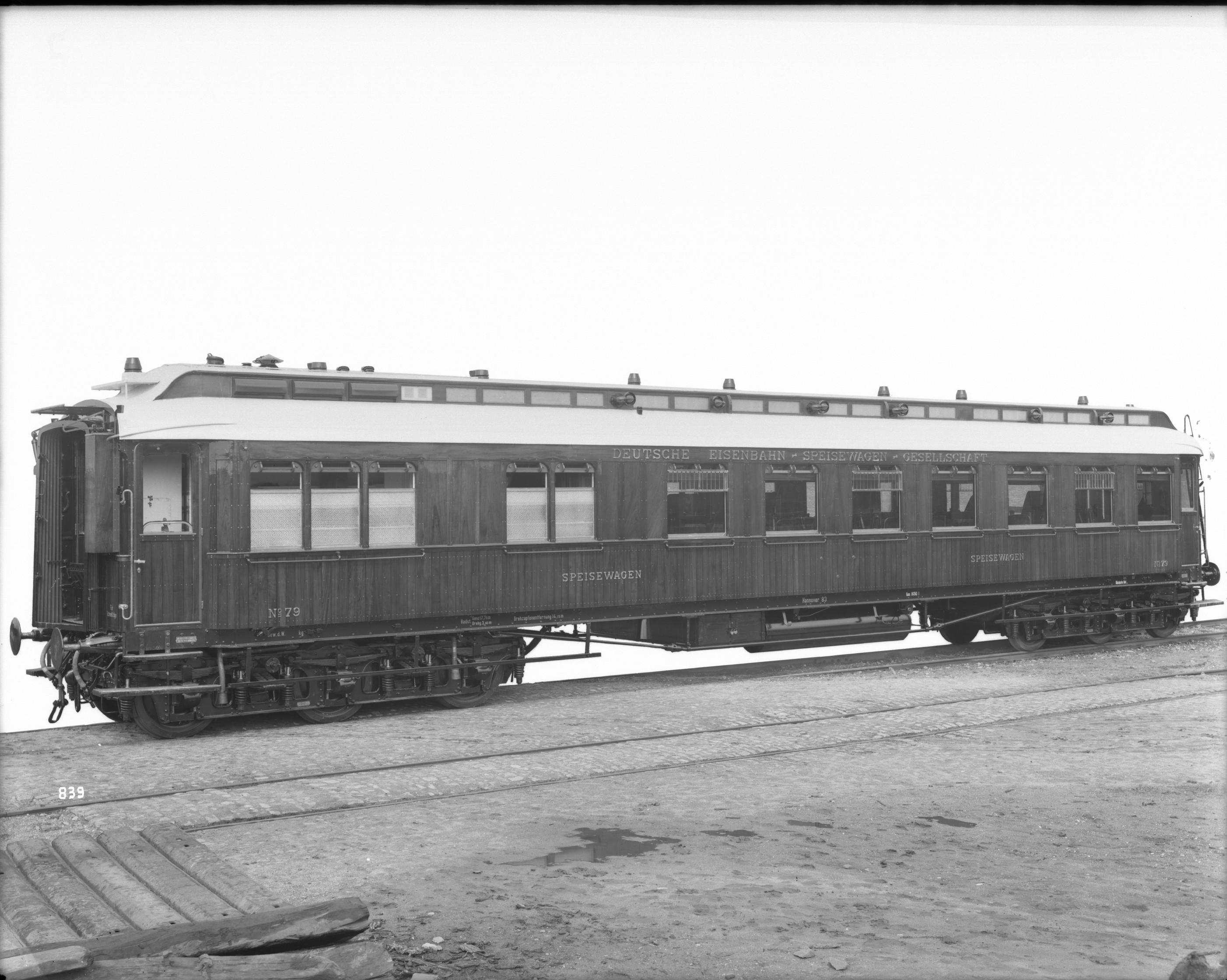 Speisewagen WR6, Nr. 79, Teakholzaufbau der D.E.S.G. (Deutsche Eisenbahn-Speisewagen-Gesellschaft), 1907